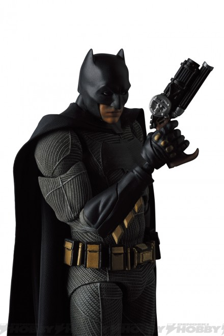 07-mafex_batman_03