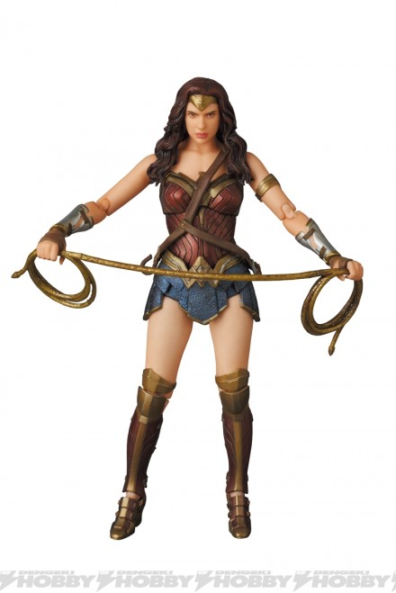 07-mafex_wonder_woman_02