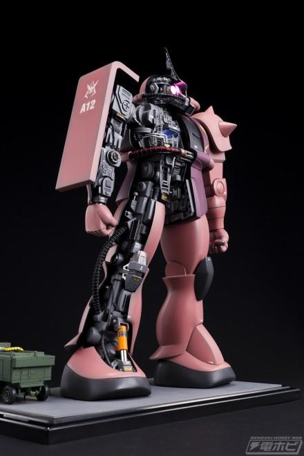 ▲POOH熊谷が製作した「メカニックモデル 1/72 シャア専用ザク」。