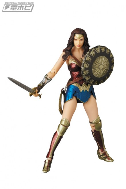 mafex_wonderwoman_ww_01
