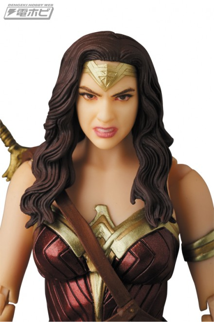 mafex_wonderwoman_ww_05