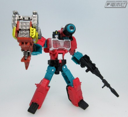 LG56-robo-with-weapon