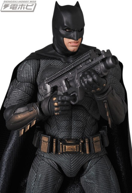 MAFEX-BATMAN_2