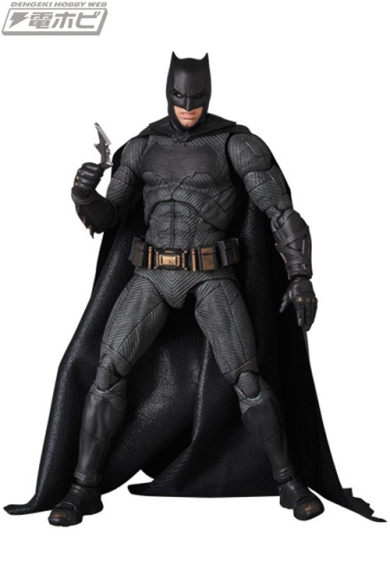 MAFEX-BATMAN_6