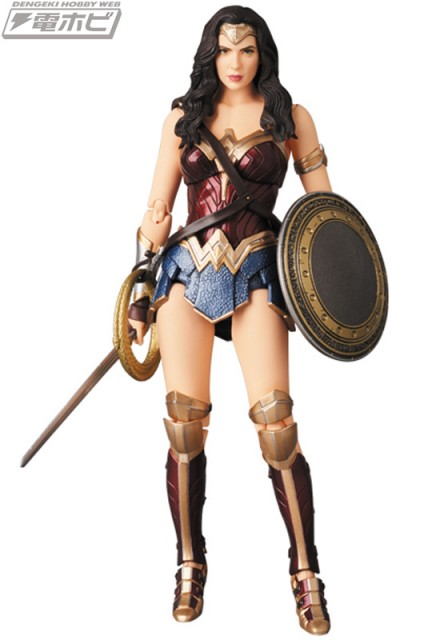 MAFEX-WONDER-WOMAN_1