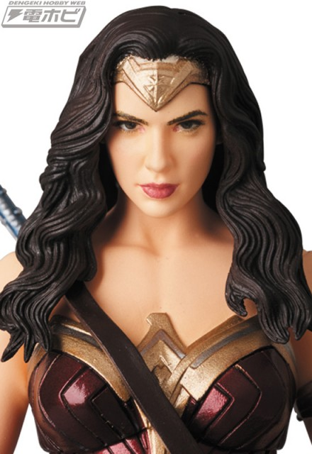MAFEX-WONDER-WOMAN_5
