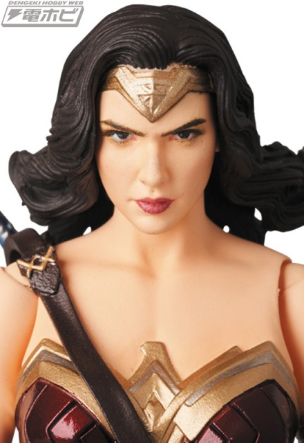 MAFEX-WONDER-WOMAN_6