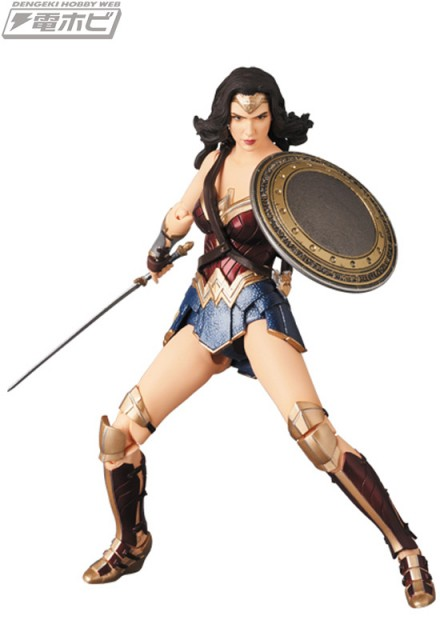 MAFEX-WONDER-WOMAN_8