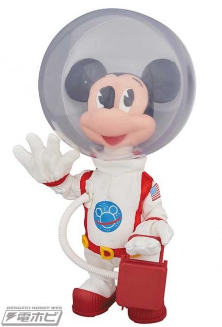 vcd_mickey_astronaut_01
