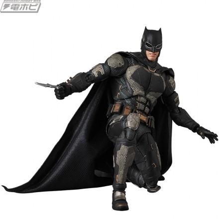mafex_batman-tactical_a07