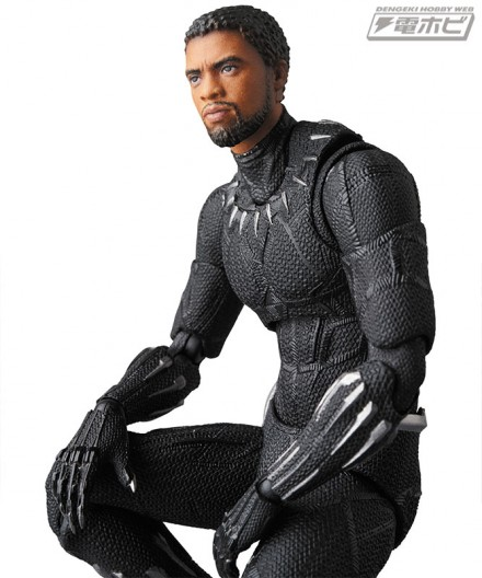 mt_03_mafex_black_panther_07